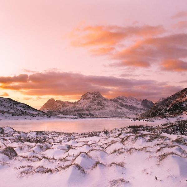 2-Alba-artica-ai-piedi-di-un-fiordo-Prehistoric-Norway-Arctic-Visions